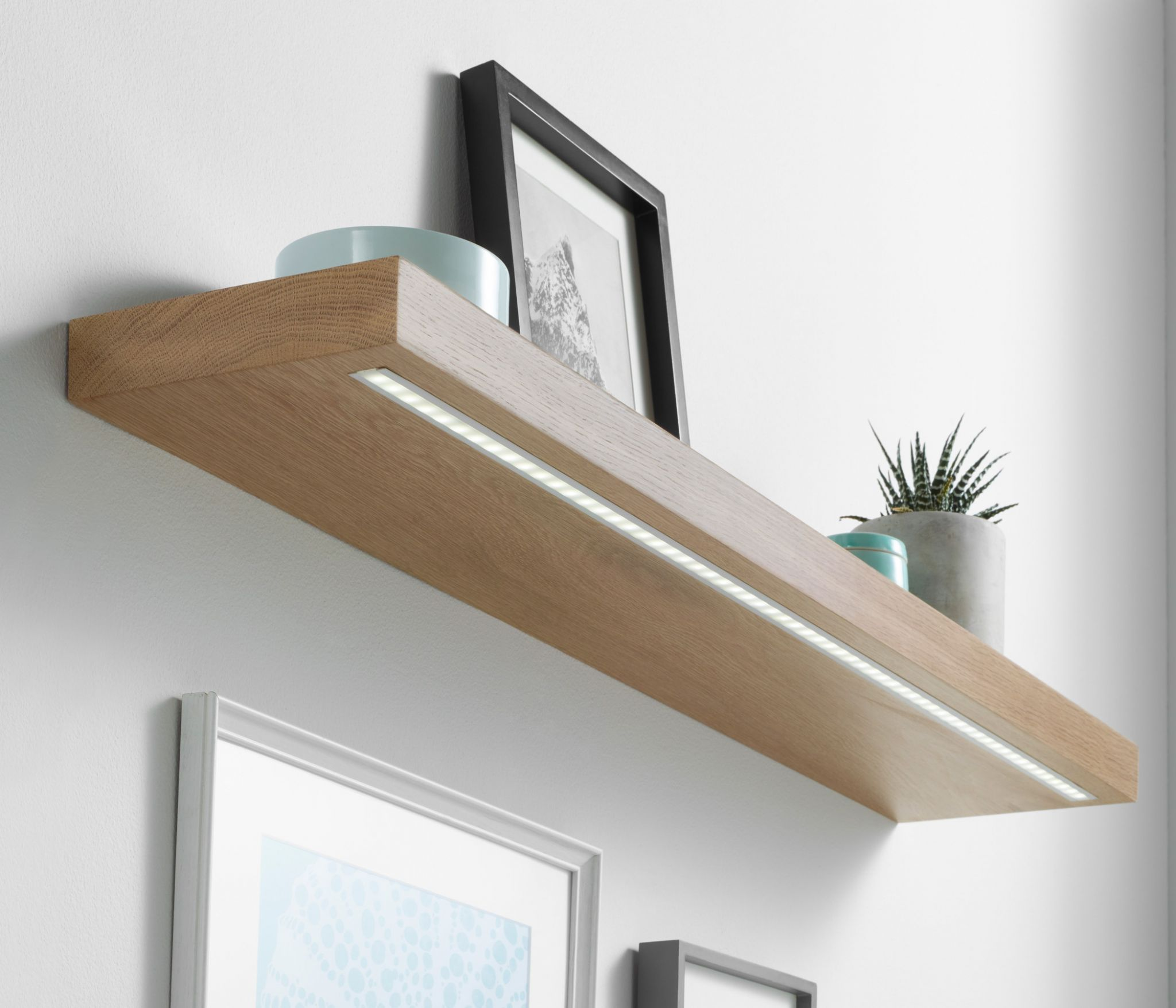 Solid White Oak Floating Shelf 40x220mm With Warm White